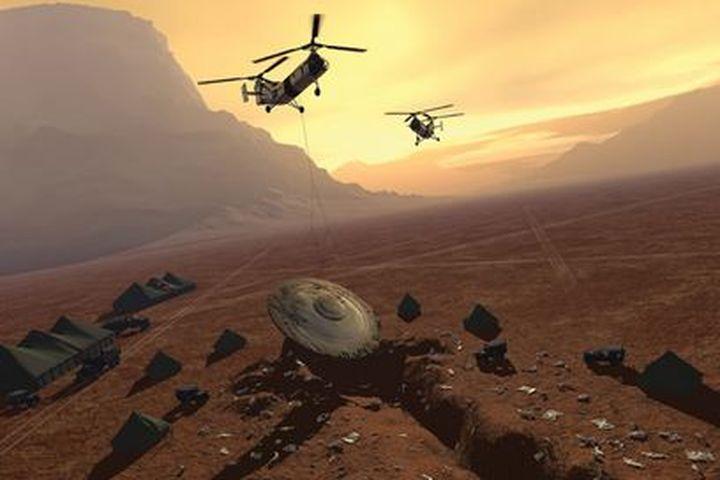 Американски военни се срещат очи в очи с трима извънземни след стрелба по НЛО-то им (видео)