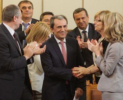 Депутатите приеха оставката на Орешарски и правителството