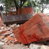 Мощно земетресение в Непал срути сгради, предизвика лавини – десетки са загинали
