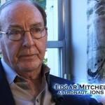 Лунният астронавт Едгар Мичъл: Извънземни спасиха Земята от ядрена война (видео)