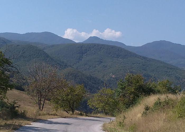 Какво може да означава тази мегарисунка върху склон на Родопите (снимки)