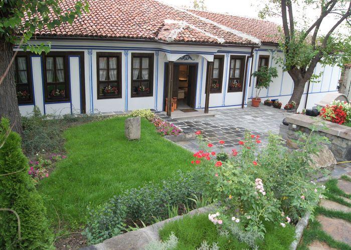 Възстановиха Чалъковата къща в Стария Пловдив с дарения (снимки)
