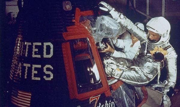 Почина още един от първите в Космоса – Джон Глен