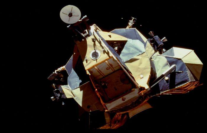Европейци ще кацнат на Луната догодина, ще търсят следи от американците. НАСА въведе забранена зона – видео
