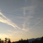 Пак осъмнахме с нашарено от химтрейли небе (снимки)