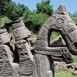 Загадъчни каменни ездачи откриха високо в Хималаите (снимки)