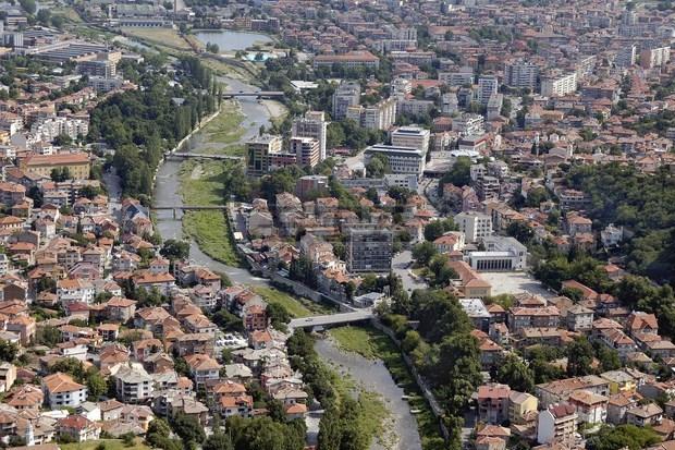 Силно земетресение разлюшка Асеновград, усетено е в Пловдив и София, трус и в Гърция
