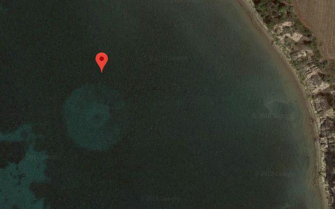 Откриха загадъчен кръгъл обект в морето край Гърция (видео)