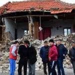 Силно земетресение разлюля Западна Турция (видео)