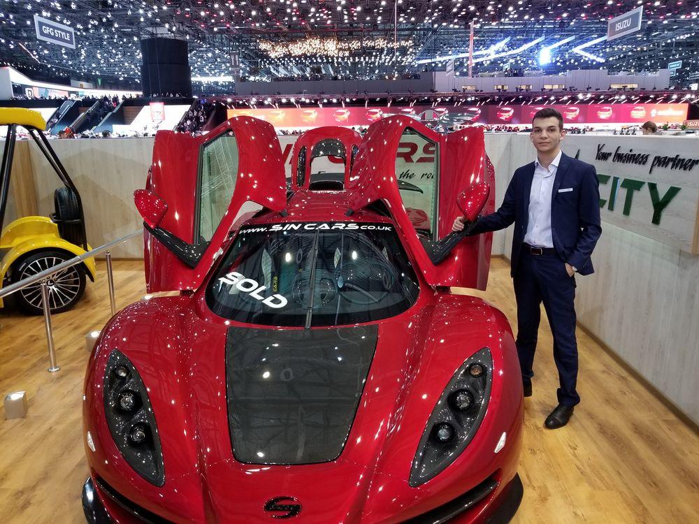 Студент представи на автосалона в Женева български спортен автомобил
