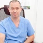 Лекар пропушва, за да изпробва върху себе си ефективна методика за отказване от цигарите (видео)