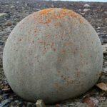 Безброй загадъчни съвършени каменни кълба са пръснати на остров Чамп (снимки)