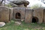 Удивителни долмени и кромлехи на възраст 10 хиляди години по българските земи (снимки)