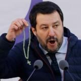 Италианският вътрешен министър: Ариведерчи Меркел, Шулц и Юнкер